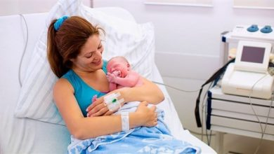 صورة ولادة الطفل الأول يزيد عمر الأم 7 أعوام