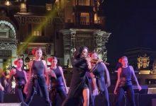 صورة عازفة الكمان حنين العلم أمام الجمهور المصري